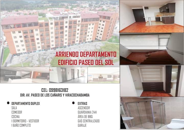 Arriendo departamento duplex en Cuenca