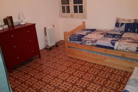 Chambre dans une maison de village - Le Barcarès - Casa