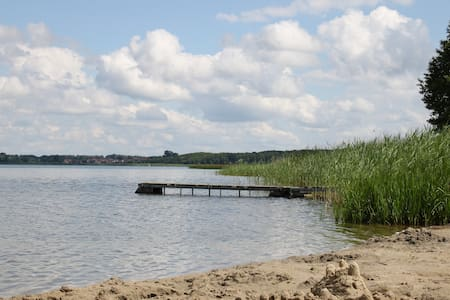 "neue komfortable Ferienwohnung ""Felix"" am See - Joachimsthal - บังกะโล"