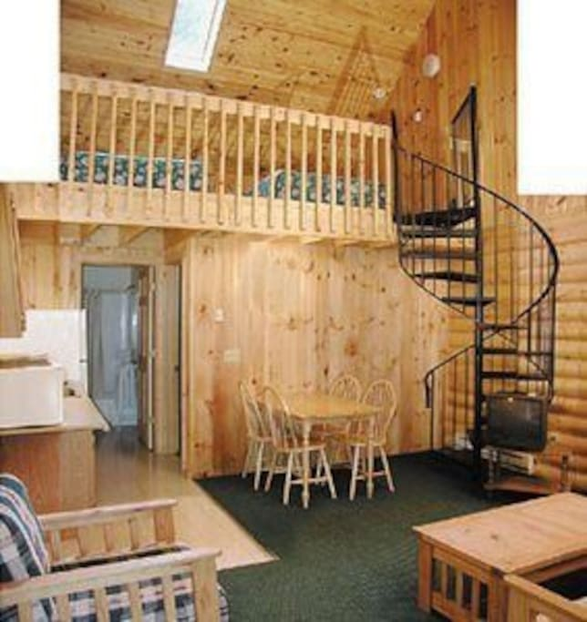 Rustic cabin getaway duplex loft style cabin a cabins for Cabins in wisconsin dells for rent
