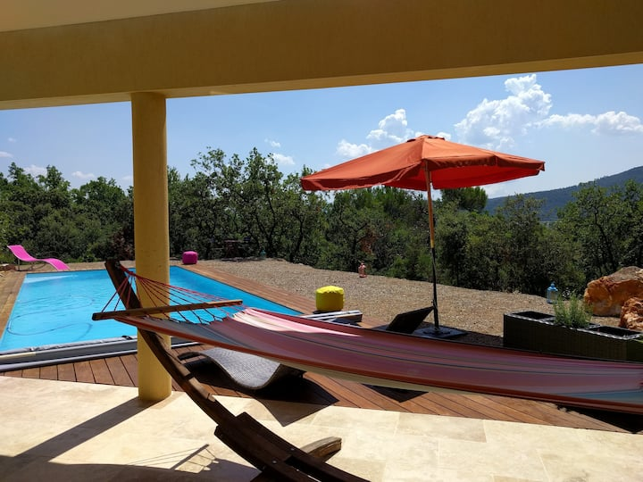 Villa contemporaine de 200m² avec piscine(9x4)