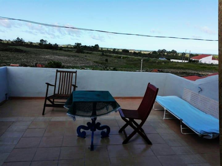 Rogil casa com terraço