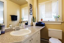 Charming Heritage Home Studio Suite