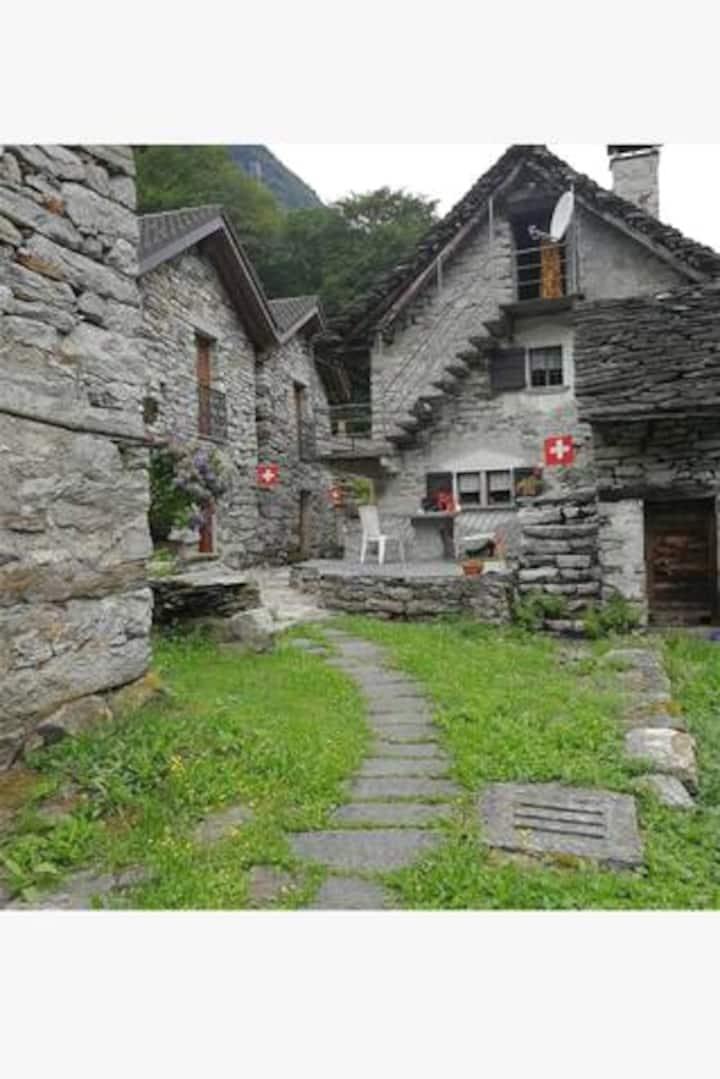 Casa in sasso a due passi dal ponte dei salti 🏞️