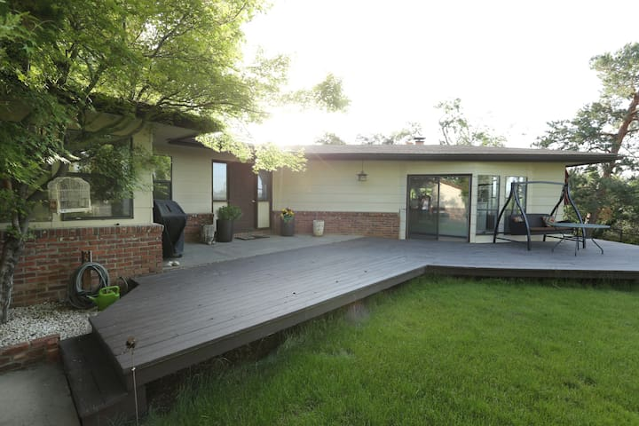 Your private & quiet space near downtown & midtown - Reno - Casa