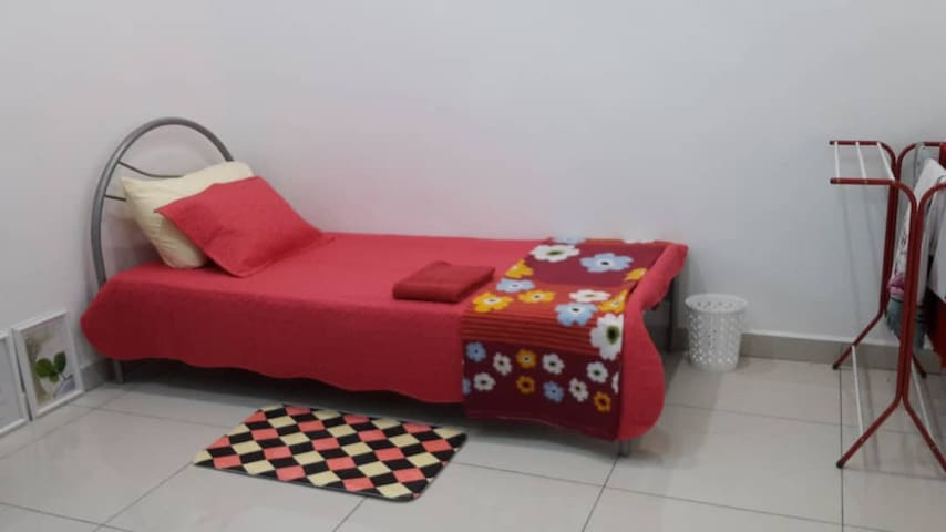 This is 3rd bedroom - single sized bed.