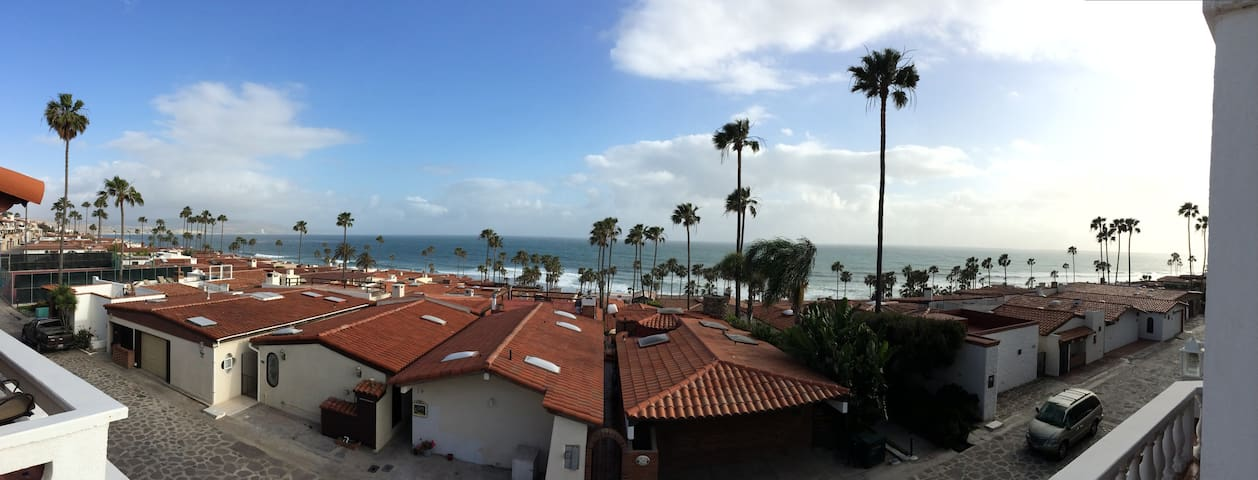 Huge 5 Bedroom  with Awesome View of Surf Point - Rosarito - Casa