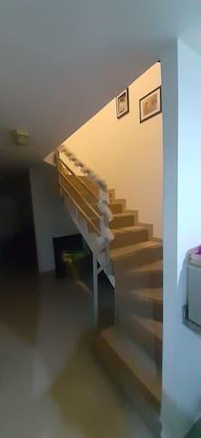 Casa familiar Bonita, limpia,segura  y cómoda..