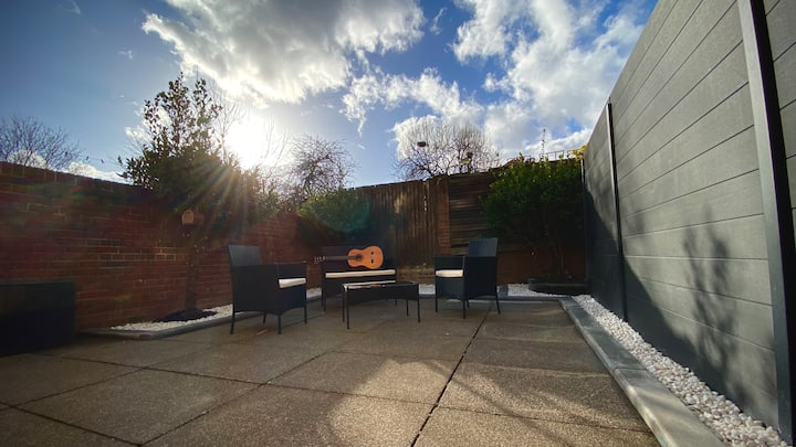 KingsCross Zone 1 Studio & Stunning Private Garden