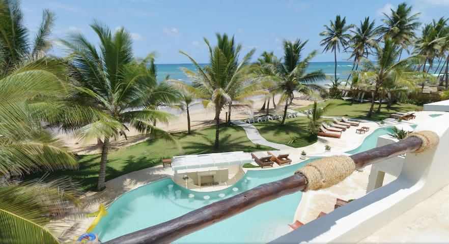 The Palms,  BeachFront villa, for groups & events