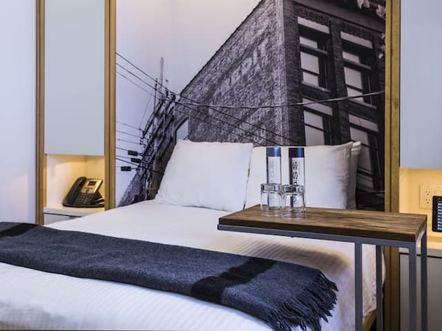 Double Room at Boutique Hotel in Downtown Toronto