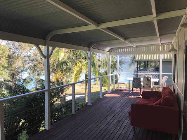 Riviera cottage on Hawkesbury