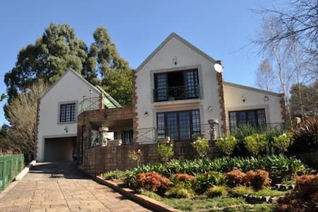Friendly breakaway in beautiful Dullstroom - Dullstroom - Haus