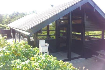 Unik Norsk Hytte på lukket naturgrund
