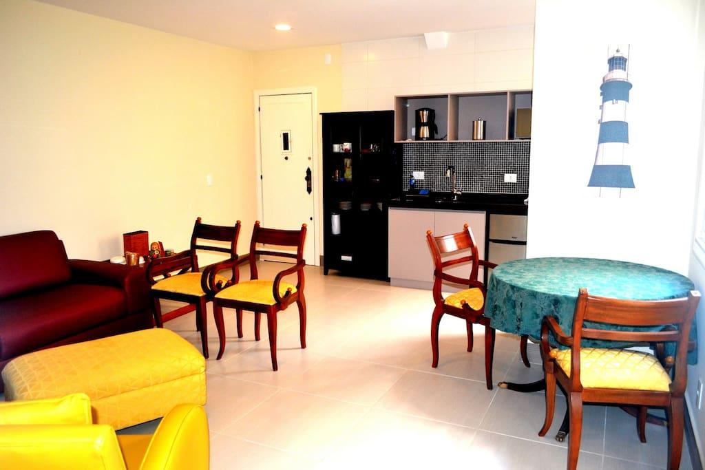 Living Room, Dining Room, Kitchen/ Sala de Estar, Sala de Jantar e Cozinha