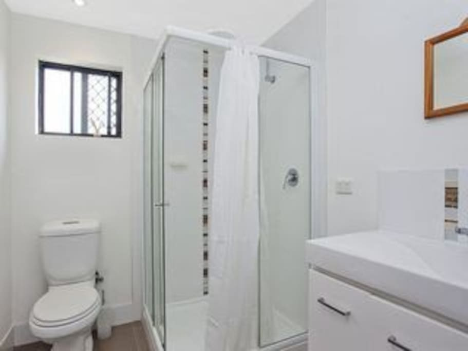 Bathroom/ Ensuite