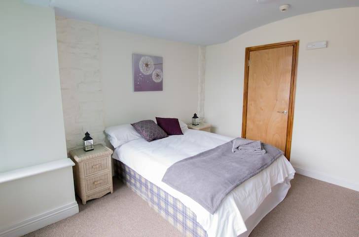 A Double Room in The Abercorn