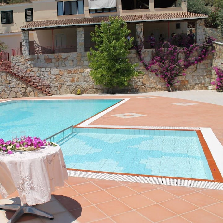 Jerzu (Ogliastra) : fully-equipped apartment