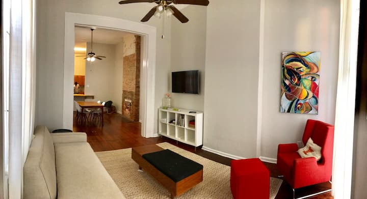 Spacious Historic Home - 4 blocks to St. Charles