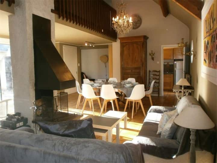 MAISON 8 couchages ST LARY SOULAN