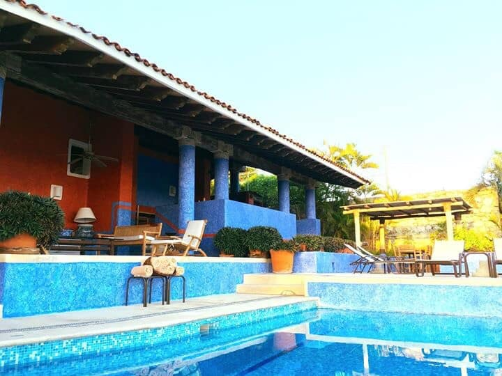Hermosa Villa, vista espectacular y playa privada!