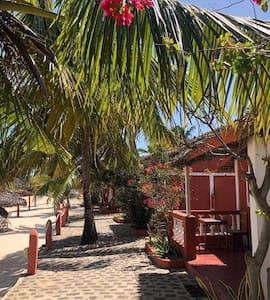 Meva plage hôtel, Bungalow en bord de mer