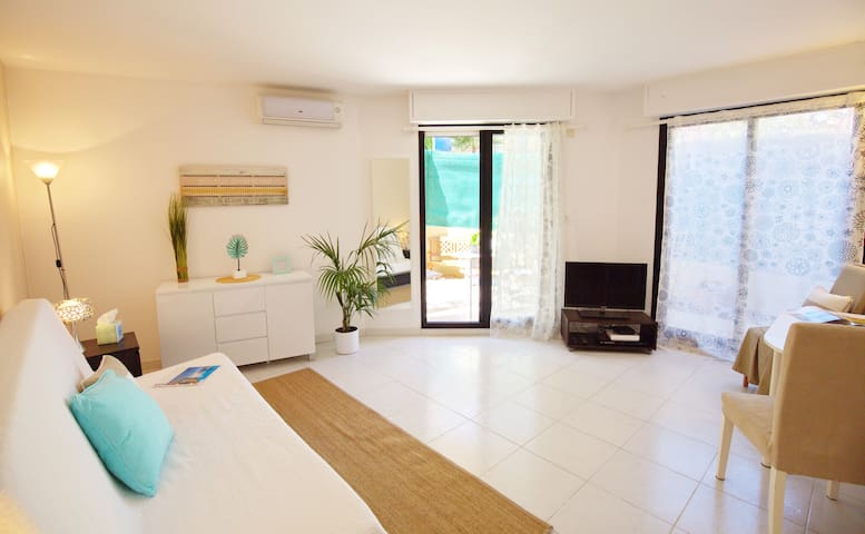 A/C APARTMENT WITH GATED GARDEN, WIFI,NEAR BEACHES - Beaulieu-sur-Mer - Apartamento