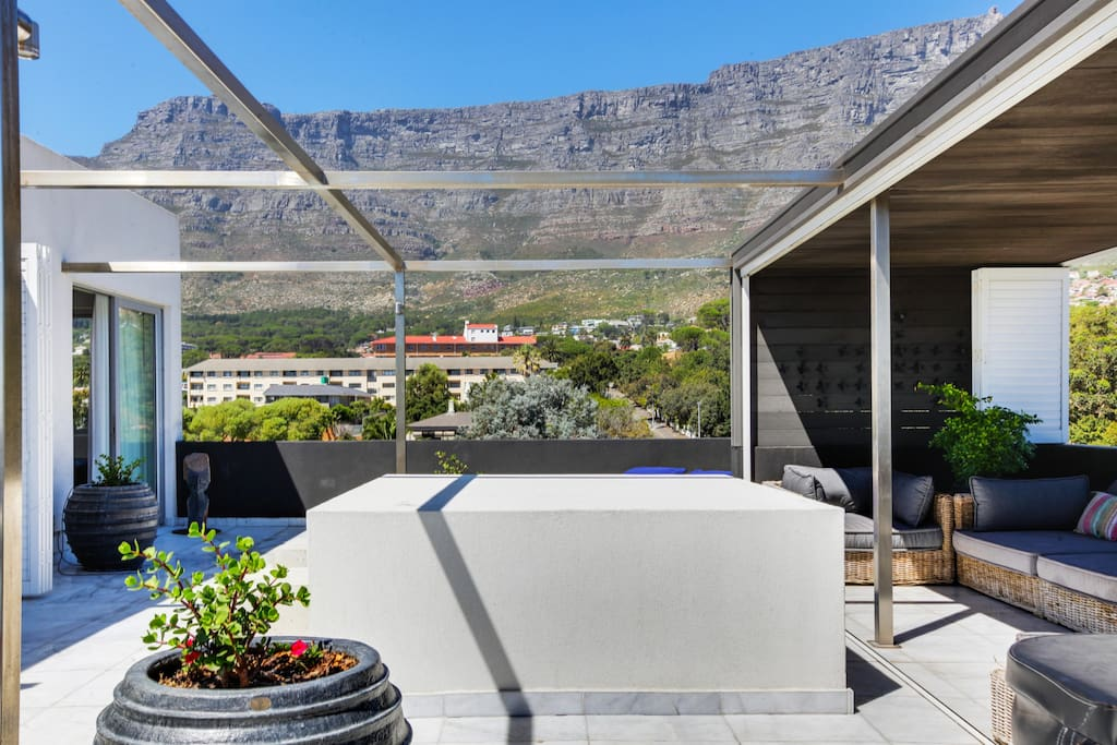 Terrace with full Table Mountain views