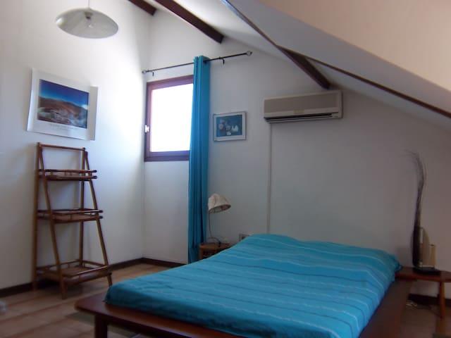 Chambre  2 P climatisée  matelas bi portance VUE MER ( 2 fenêtres )