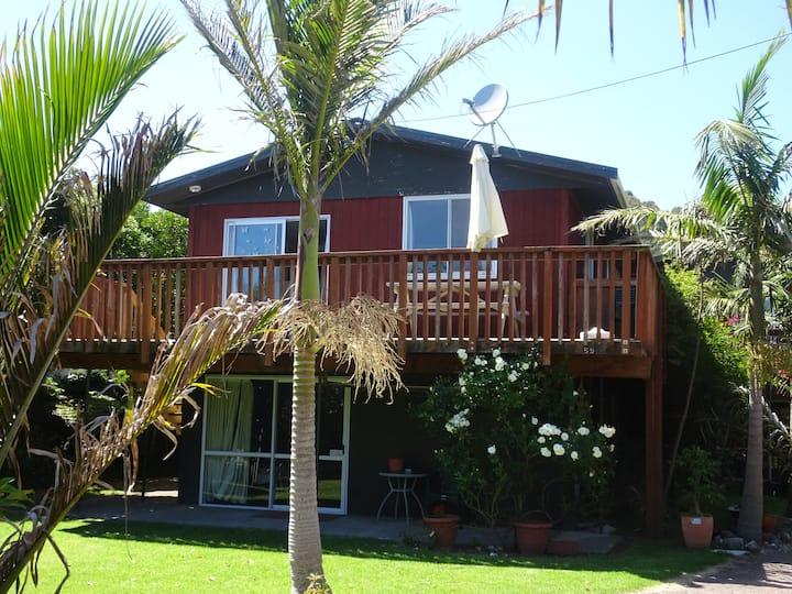 Mahia Beach Lodge .