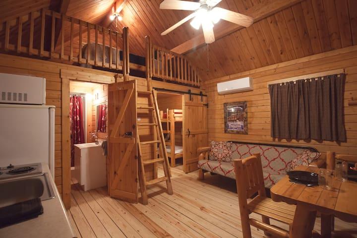 Katie's Cozy Cabins B