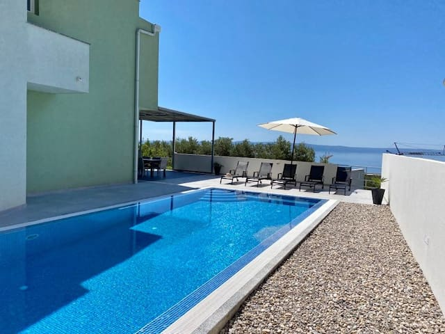 Villa Meri for 14 people Makarska