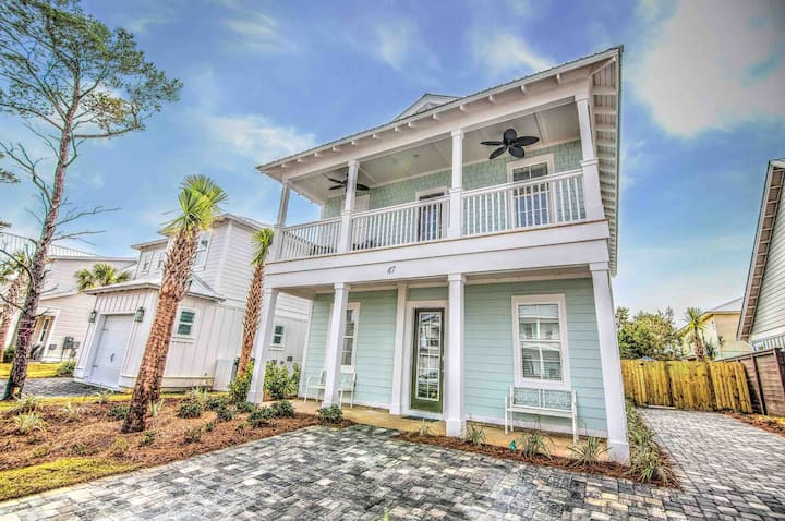 BRAND NEW '21 | Private Pool & Deeded beach access