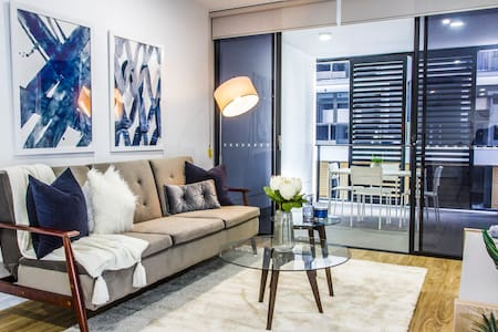 Beautifully Furnished Inner-City Pad!