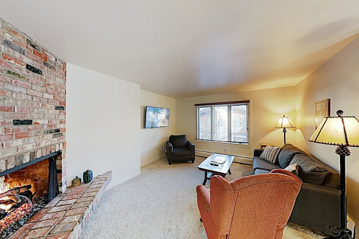 New Listing! Golden Peak Condo - Walk to Lifts