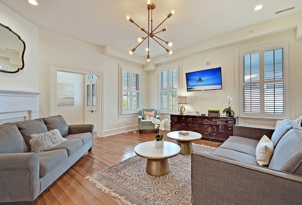West Elm Suite Historic Downtown 4 Blocks To Citadel Stadium Apartments For Rent In