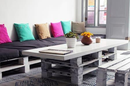La Boheme hostel: 1 single bed in a sharing room - Unawatuna - Asrama