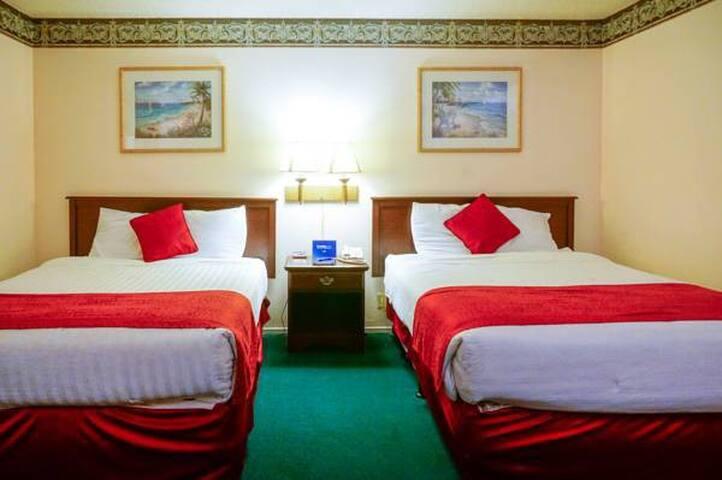 Courtesy Inn San Simeon Two Queen Beds