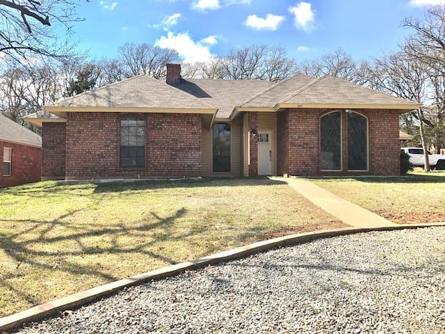 Our family lake house - Pottsboro