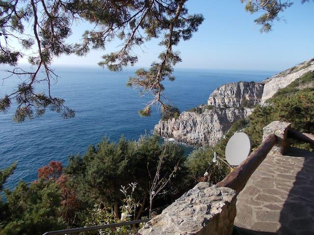 Cottage by the Mediterranean Sea - Cala Piccola - Maison