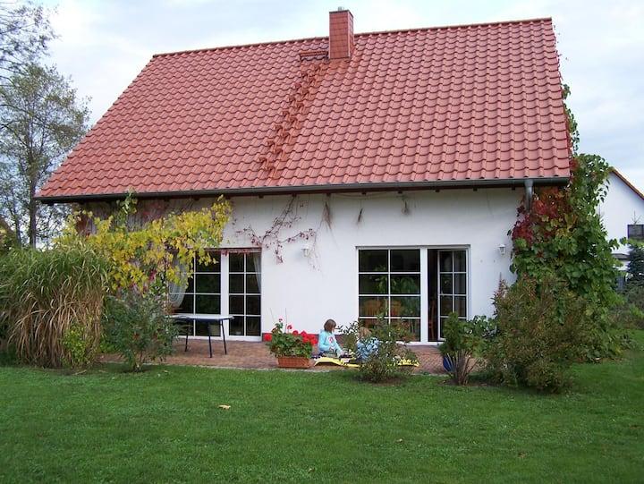 grosszügiges Ferienhaus mit Stellplatz und Garten