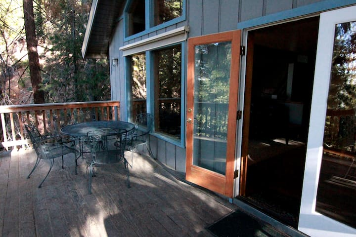 Yosemite's Tree House Lodge