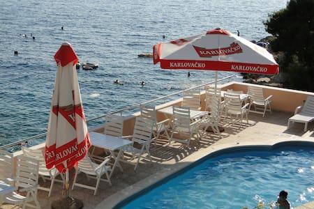 TB - charming room at the seaside - Primošten - Bed & Breakfast