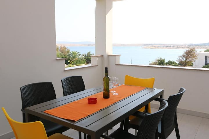 Zrce Apartment Dany with balcony and sea view - Caska - Byt