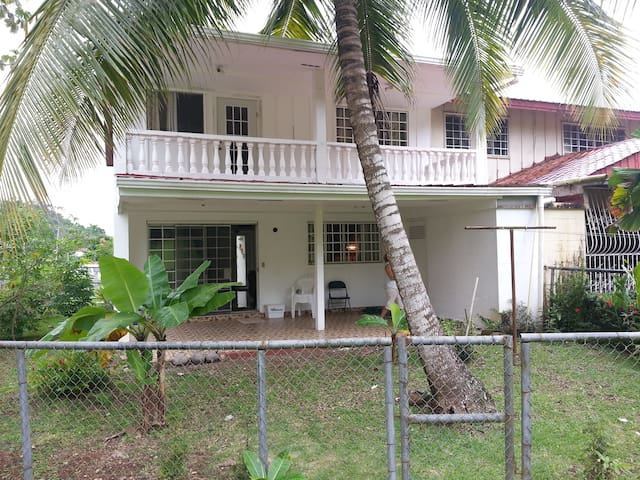 Home Minutes from Downtown Panama City, Panama