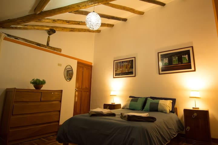 Spacious and bright matrimonial in tranquil hostel