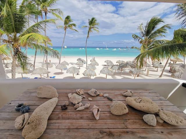 Beachfront ocean view Villa 4 bdr WiFi