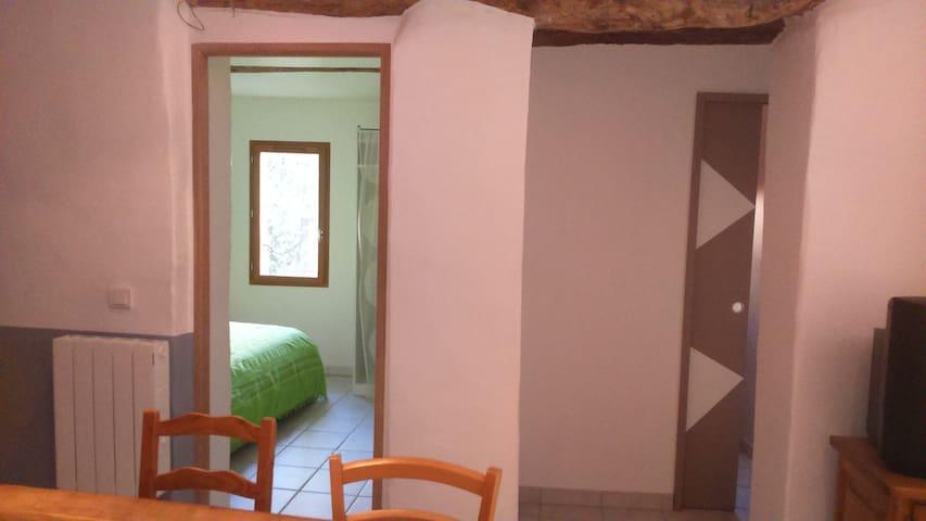 Les portes des 2 chambres