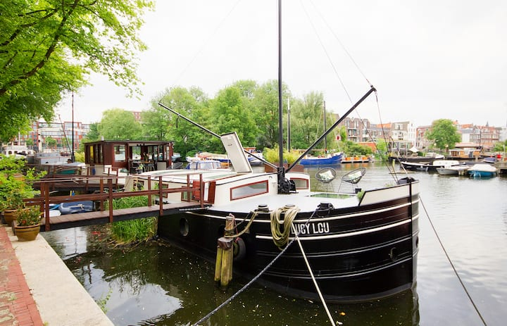 PRIVATE boatstay on idyllic location - Staycation