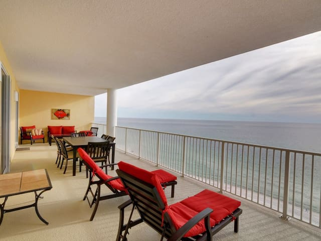 Massive Entertainment Space and Gulf Front Balcony